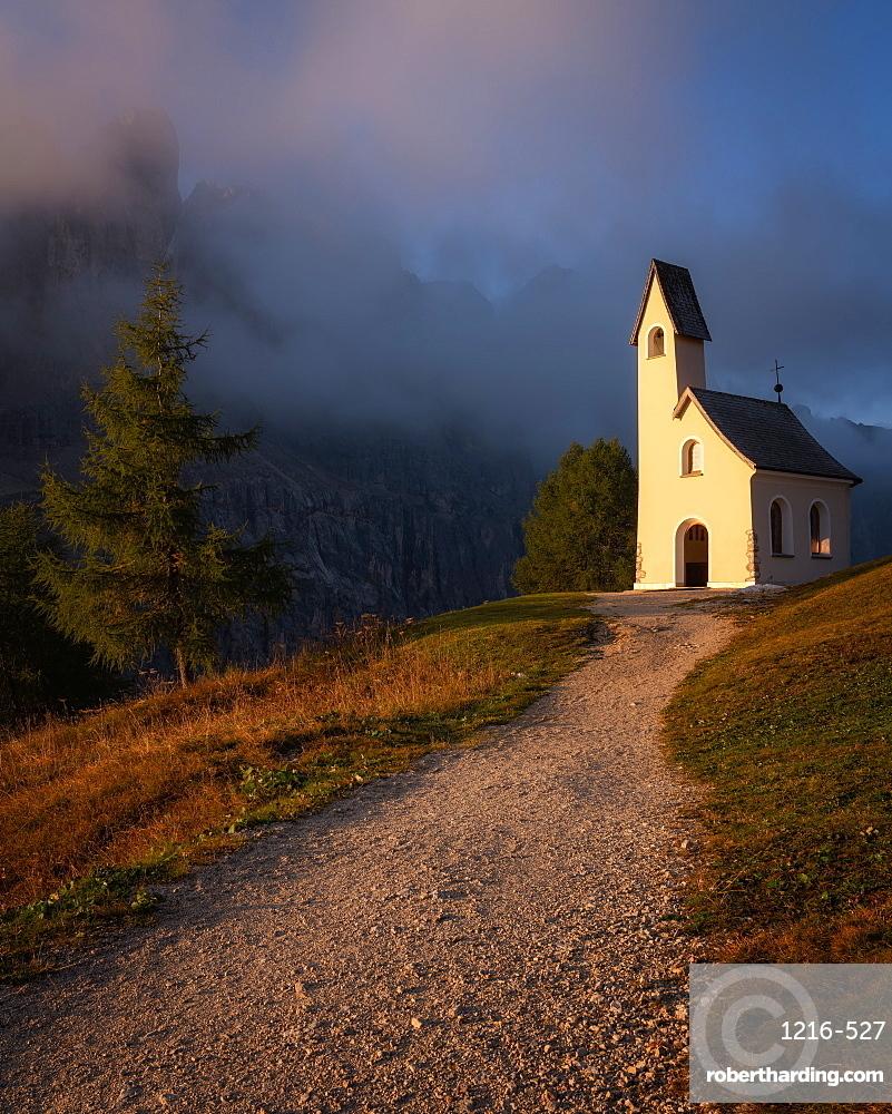 Capella Di San Maurizio at sunrise, Dolomites, Italy, Europe