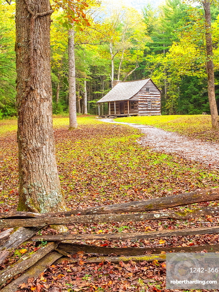 Log cabin, Cades Cove, Great Smoky Mountains National Park, Tennessee, United States