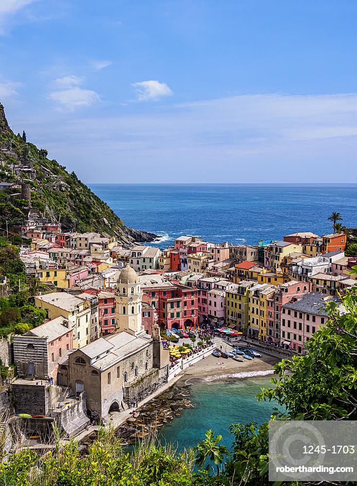 Vernazza Village, elevated view, Cinque Terre, UNESCO World Heritage Site, Liguria, Italy, Europe