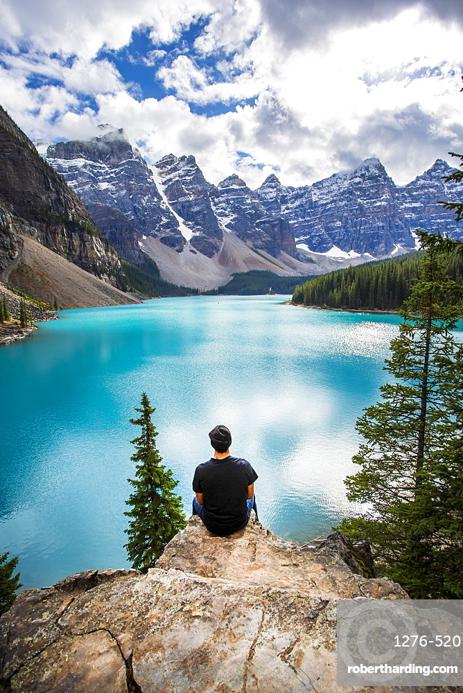 Moraine Lake and the Valley of the Ten Peaks, Banff National Park, UNESCO World Heritage Site, Canadian Rockies, Alberta, Canada, North America