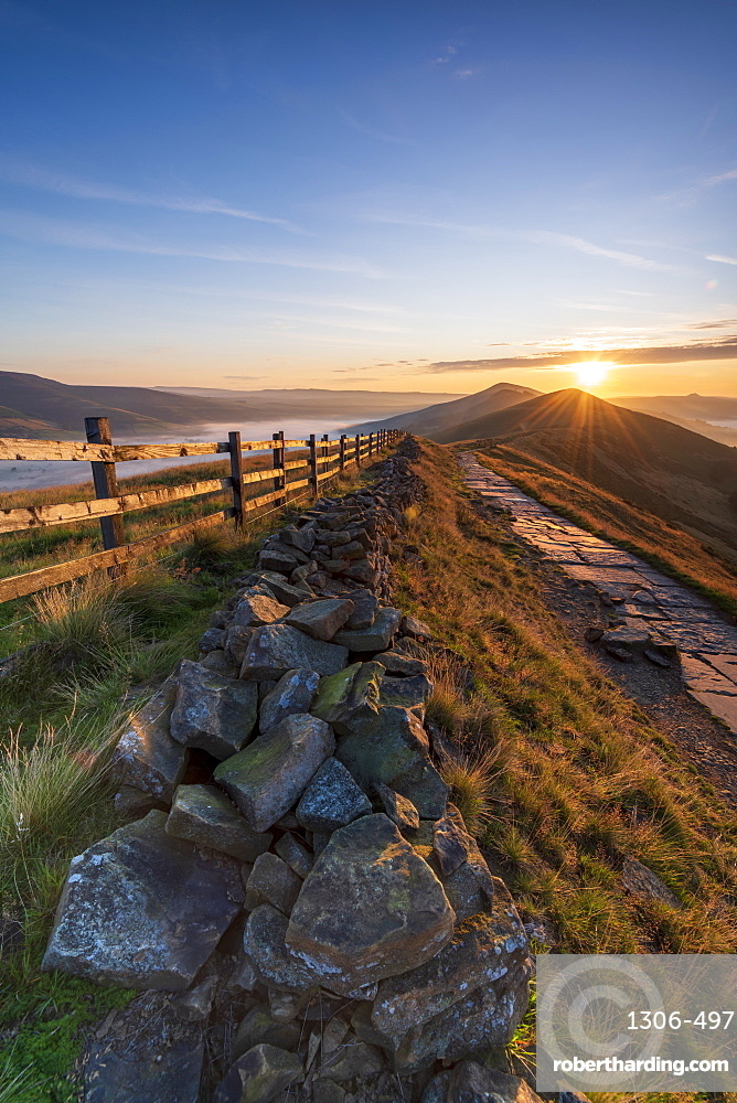 Sun rising above Lose Hill and Back Tor, The Peak District National Park, Derbyshire, England, United Kingdom, Europe