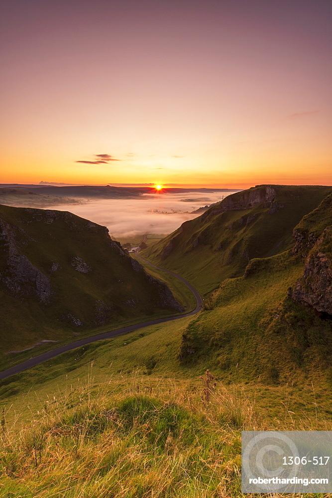 Winnats Pass at sunrise, Hope Valley, Edale, Peak District, Derbyshire, England, United Kingdom, Europe