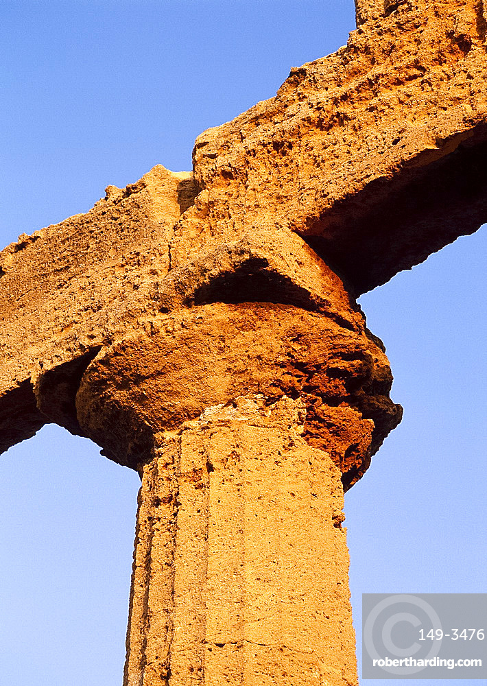Detail of a pillar of the Temple of Juno in the Valley of the Temples at Agrigento on the island of Sicily, Italy *** Local Caption ***