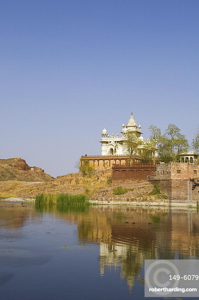 Jaswant Thanda, the pillared marble memorial to the popular ruler Jaswant Singh II, Jodhpur, Rajasthan, India, Asia