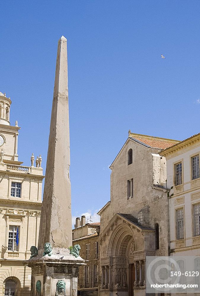 Saint Trophime in the Place de la Republique in Arles, Bouches-du-Rhone, Provence, France, Europe