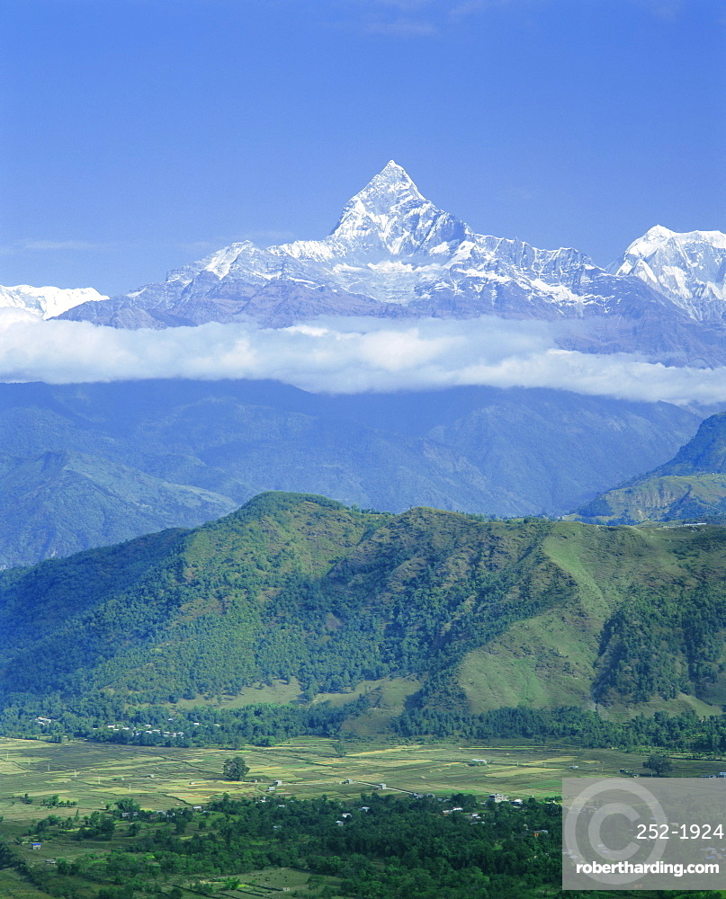 Mt Machhapuchhare (Machapuchare) (Fish Tail), 7059m, the Himalayas, Nepal