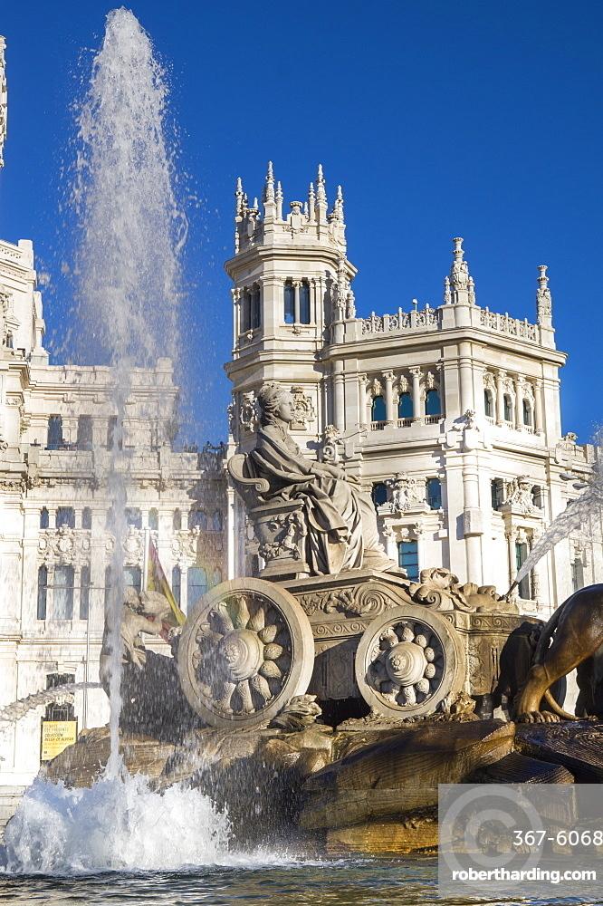 Fountain, Plaza de Cibeles Palace (Palacio de Comunicaciones), Plaza de Cibeles, Madrid, Spain, Europe