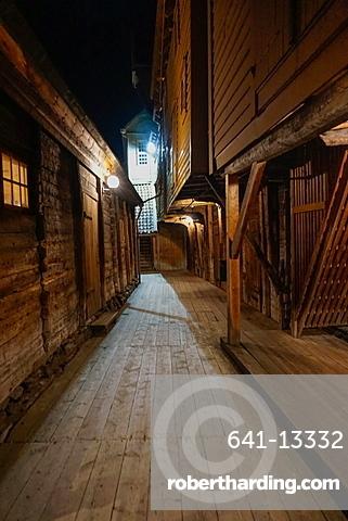 Small alleyways in the Hanseatic quarter, Bryggen, Bergen, Hordaland, Norway, Scandinavia, Europe