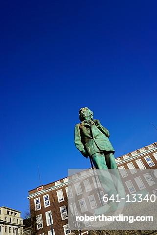 Statue of composer Edvard Grieg, Bergen, Hordaland, Norway, Scandinavia, Europe
