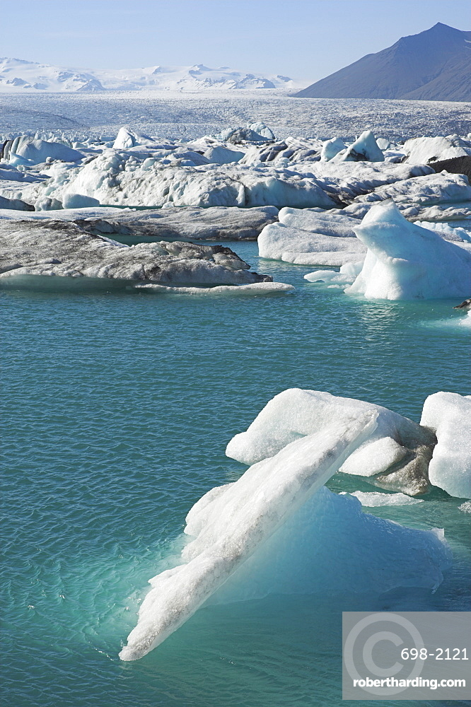 Icebergs in the glacial melt water lagoon at Jokulsarlon, Breidamerkurjokull, South area, Iceland, Polar Regions