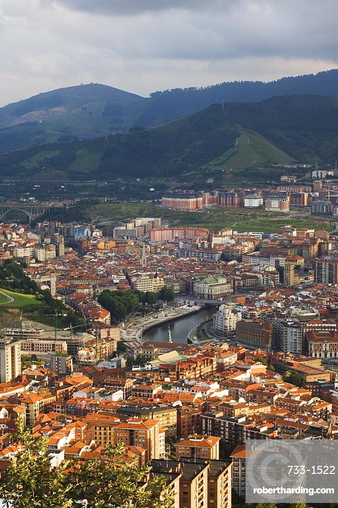 Bilbao River (Ria de Bilbao), Bilbao, Basque Country, Euskadi, Spain, Europe