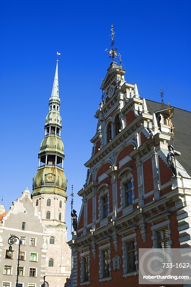 St. Peters cathedral,13th century Lutheran church and House of Blackheads dating from 1334 rebuilt in 1999 with bricks bought by locals, now houses museum, Old Town, UNESCO World Heritage Site, Riga, Latvia, Baltic States, Europe