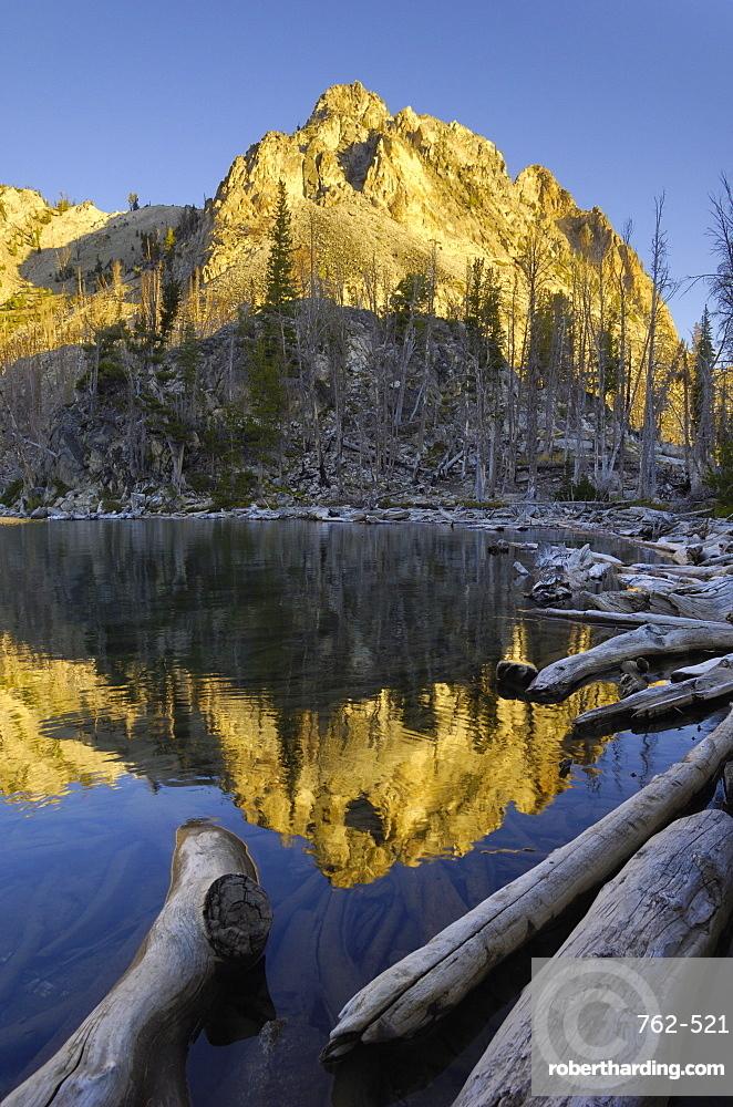 Dawn over Sawtooth Lake, Sawtooth Mountains, Sawtooth Wilderness, Sawtooth National Recreation Area, Rocky Mountains, Idaho, United States of America, North America