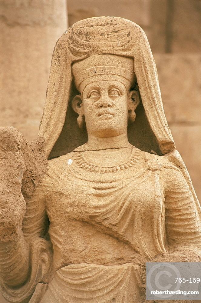 Statue of Abu Bint Deimun, Hatra, UNESCO World Heritage Site, Iraq, Middle East