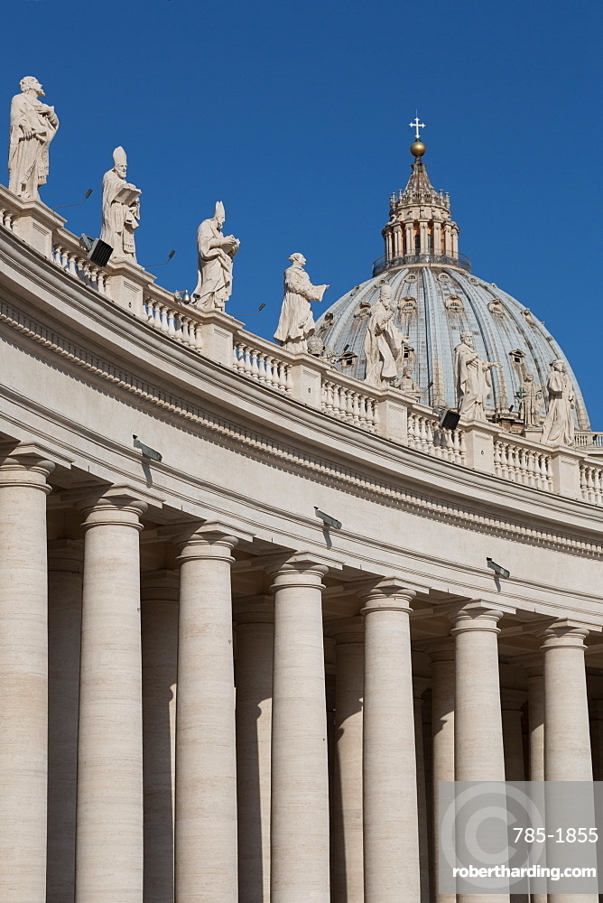The Basilica of St. Peter's from Piazza San Pietro, UNESCO World Heritage Site, Vatican, Rome, Lazio, Italy, Europe