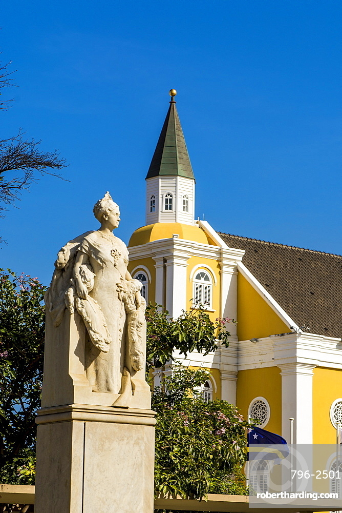 Queen Wilhelmina statue monument, Willemstad, Curacao, ABC Islands, Dutch Antilles, Caribbean, Central America