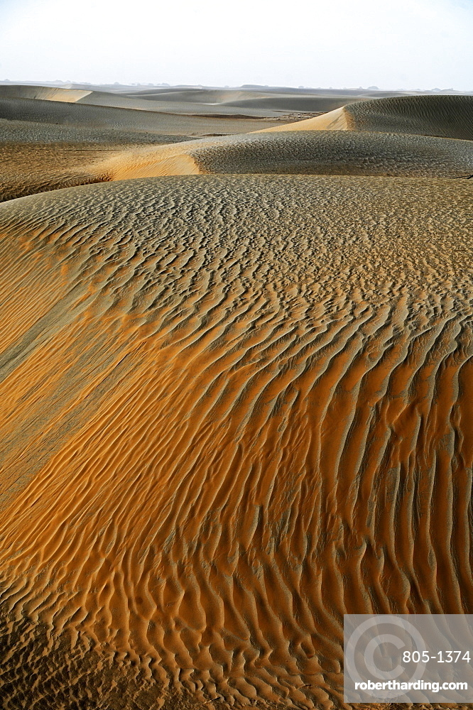 Wind blown sands in the Taklamakan desert, Hotan, Xinjiang Uyghur region, China, Asia