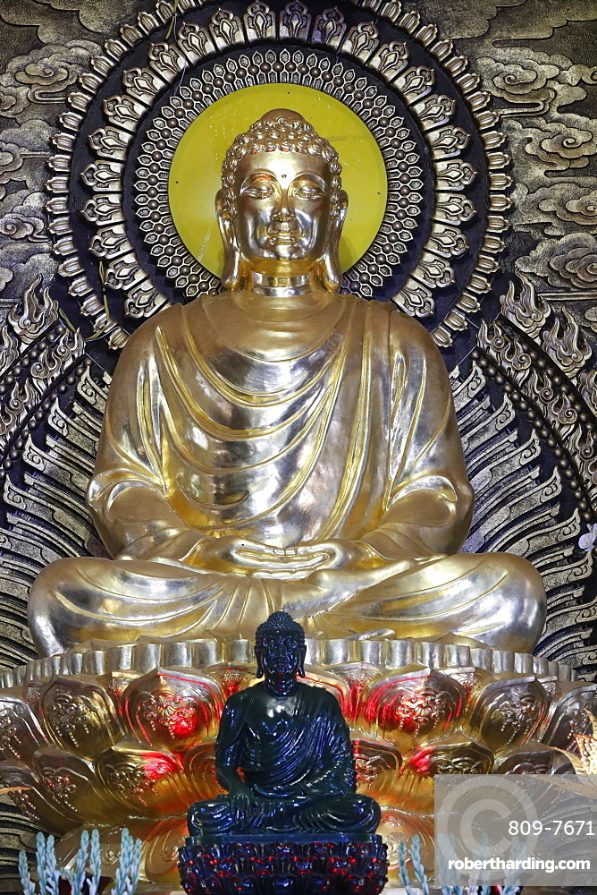 The Enlightenment of the Buddha, Phat Ngoc Xa Loi Buddhist temple, Can Tho, Vietnam, Indochina, Southeast Asia, Asia