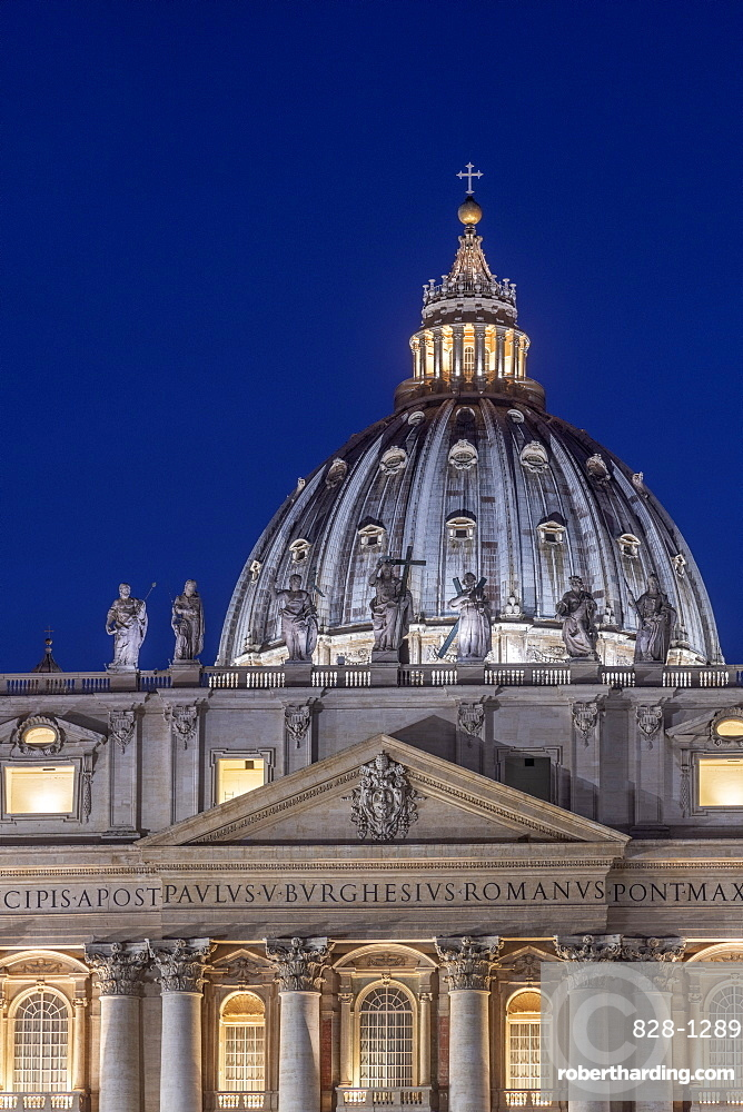 St. Peter's Square, St. Peter's Basilica, UNESCO World Heritage Site, The Vatican, Rome, Lazio, Italy, Europe