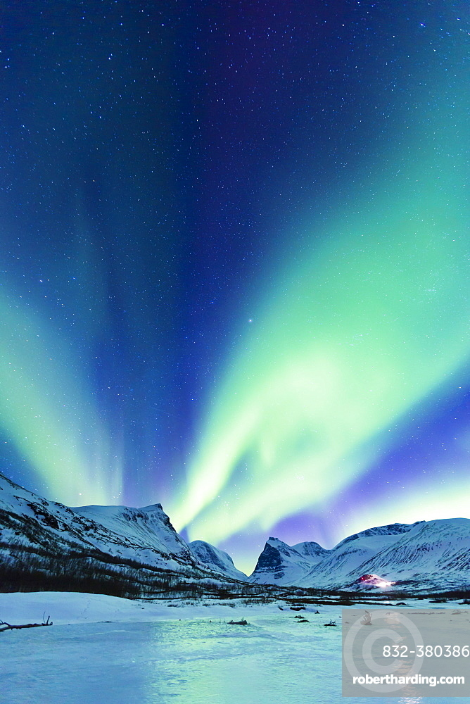 Northern Lights (Aurora borealis) over mountains, Kebnekaise Fjällstation, Kungsleden or king's trail, Province of Lapland, Sweden, Scandinavia, Europe