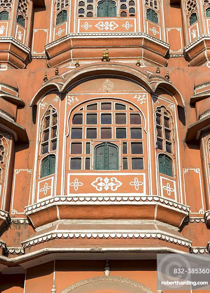 Close-up, window of facade of Hawa Mahal, Palace of Winds, Jaipur, Rajasthan, India, Asia