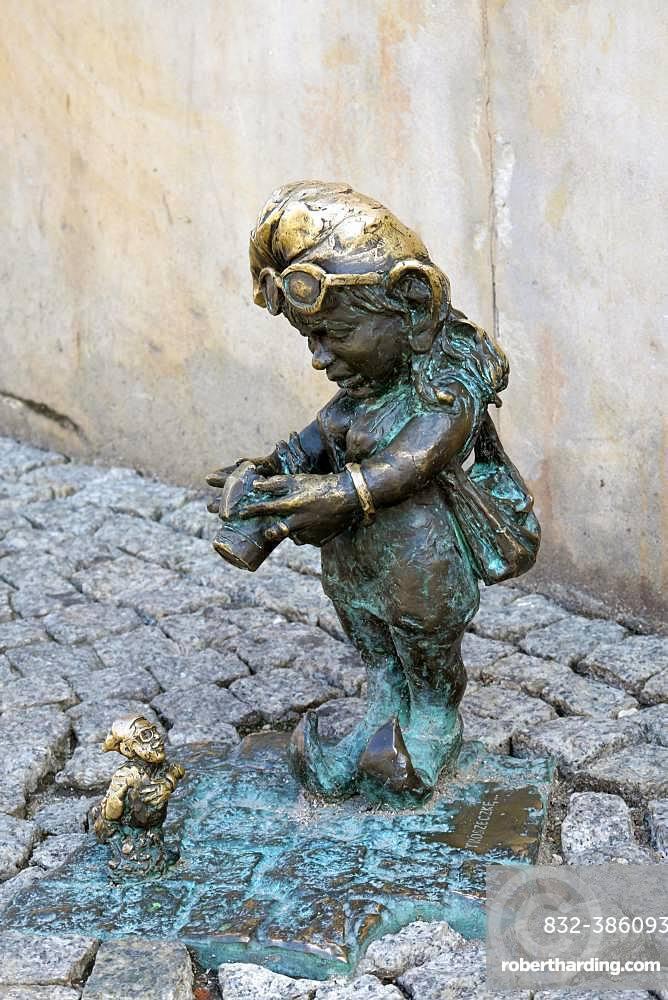 Dwarf with camera, Troszka and Adoratorek, Wroclaw's dwarfs, Wroclaw, Poland, Europe
