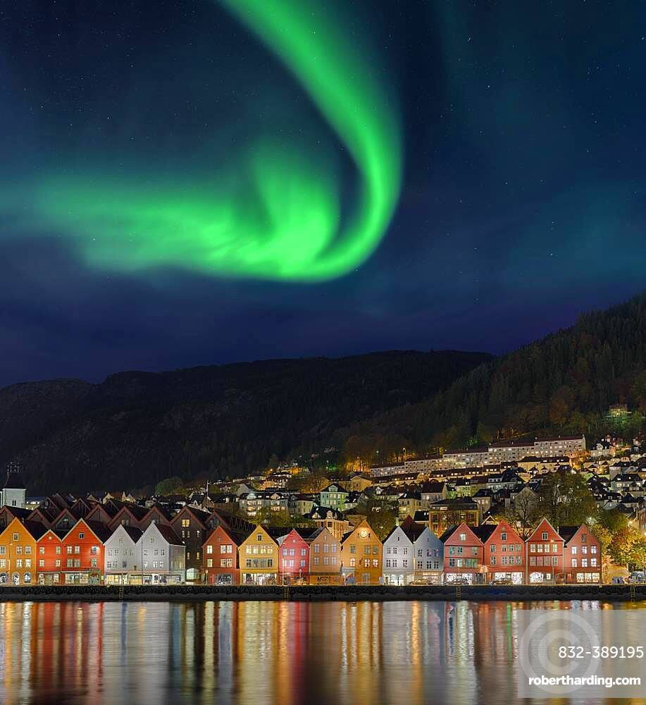 B Bryggen Northern LightsBergen City Norway