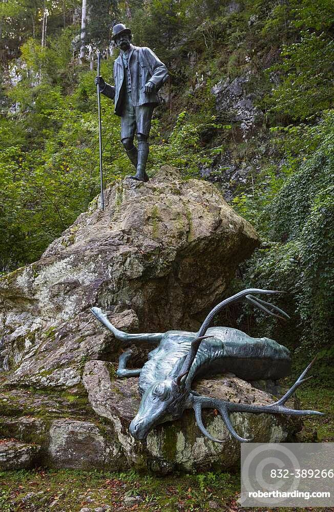 Kaiser hunting statue in Kaltenbach, Bad Ischl, Salzkammergut, Upper Austria, Austria, Europe