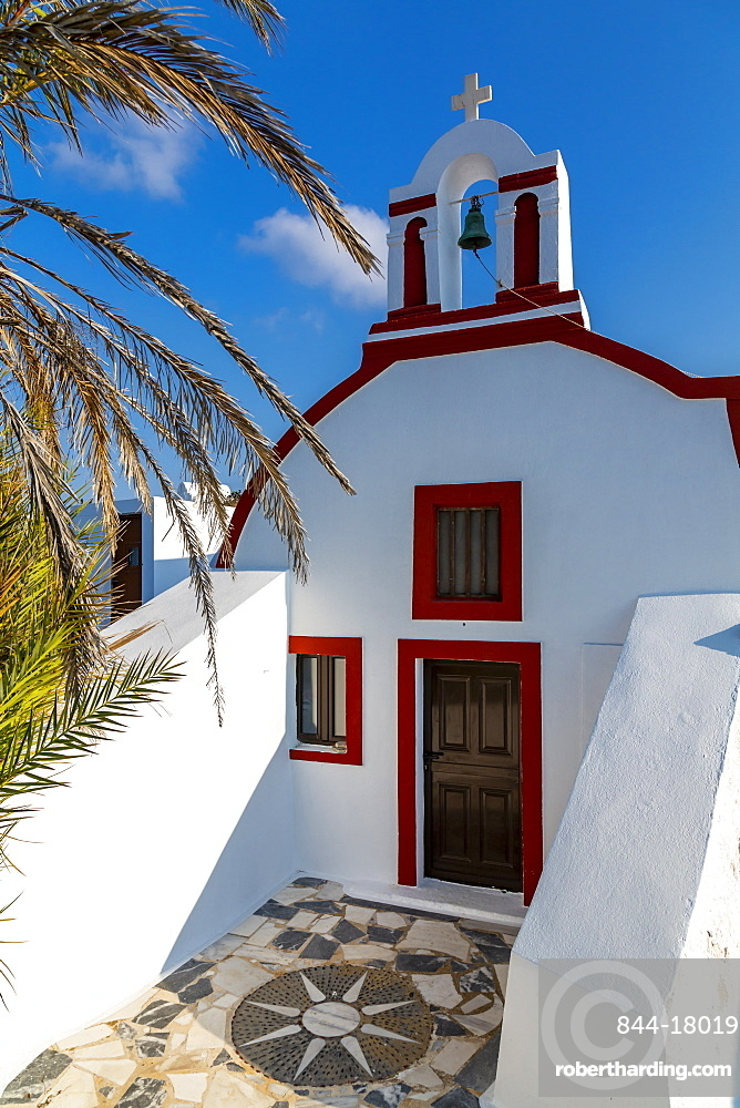 View of small traditional whitewashed church near Oia, Santorini, Cyclades, Aegean Islands, Greek Islands, Greece, Europe