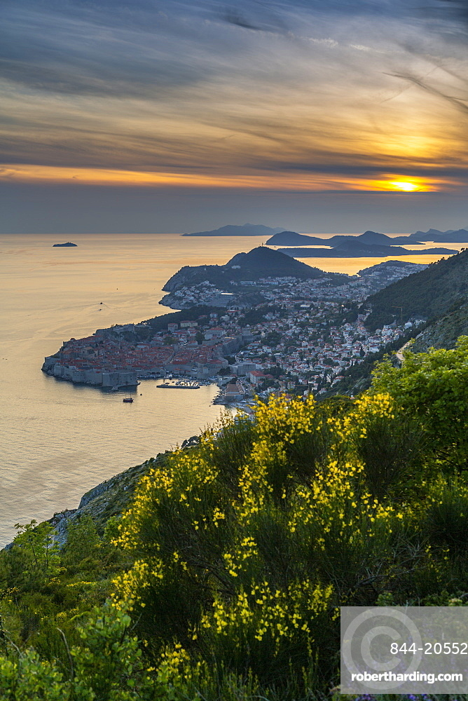 View of the Old Walled City of Dubrovnik at sunset, UNESCO World Heritage Site, Dubrovnik Riviera, Croatia, Europe