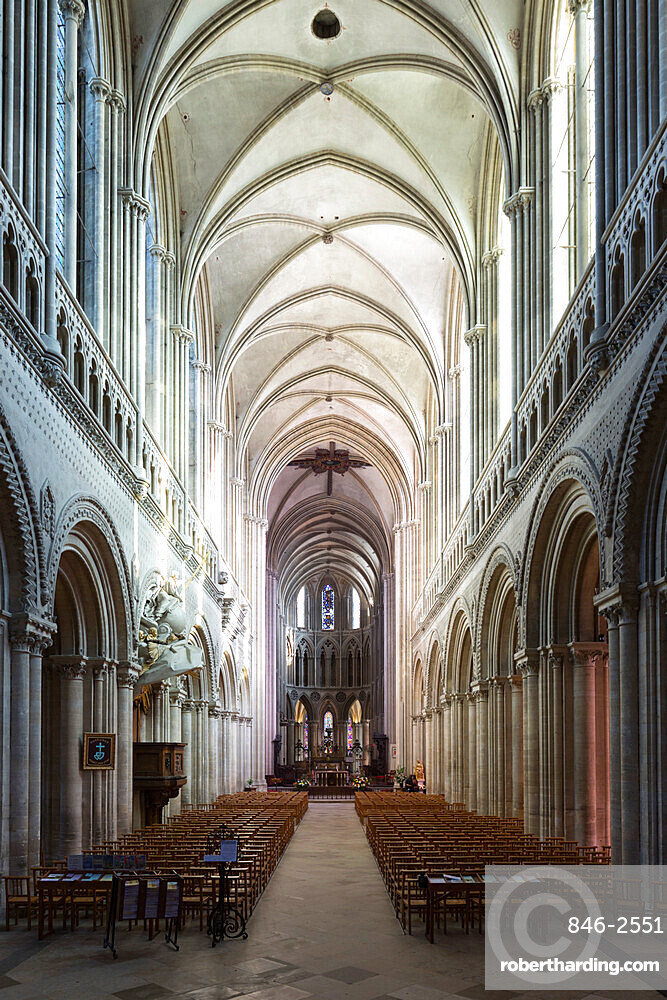 Nave of the Notre-Dame Cathedral, Bayeux, Normandy, France, Europe