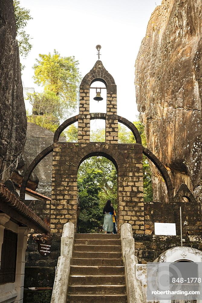 Aluvihare Rock Temple, Central Province, Sri Lanka, Asia