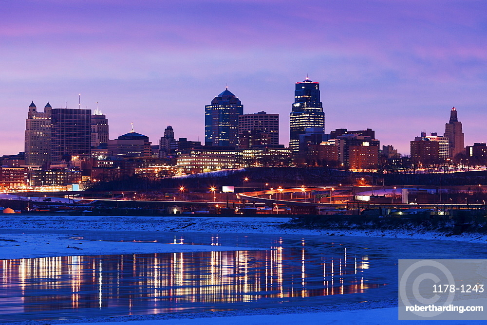 Sunrise cityscape, Kansas City, Missouri
