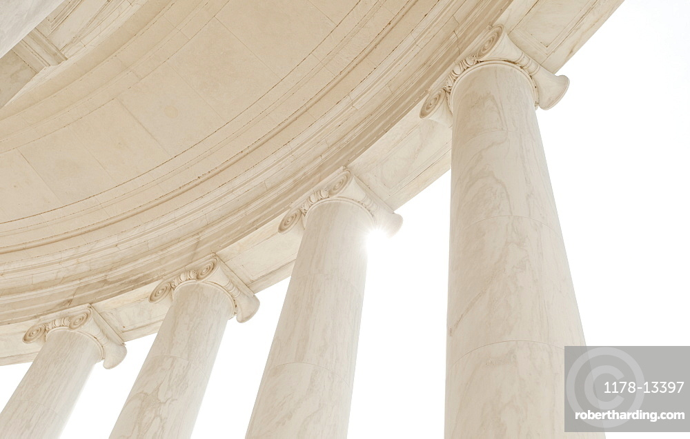 Jefferson Memorial, Close up of columns