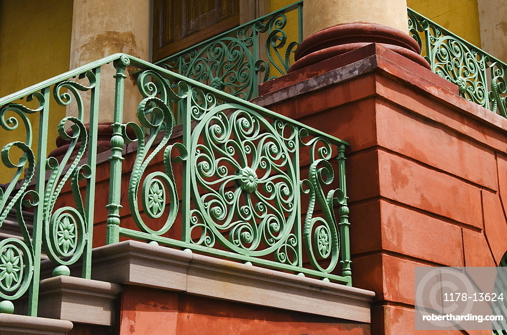 USA, South Carolina, Charleston, Green iron balustrade