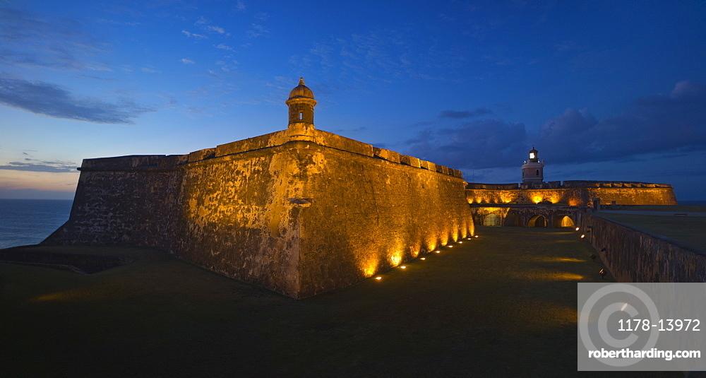 Puerto Rico, Old San Juan, Fort San Felipe del Morro at sunset