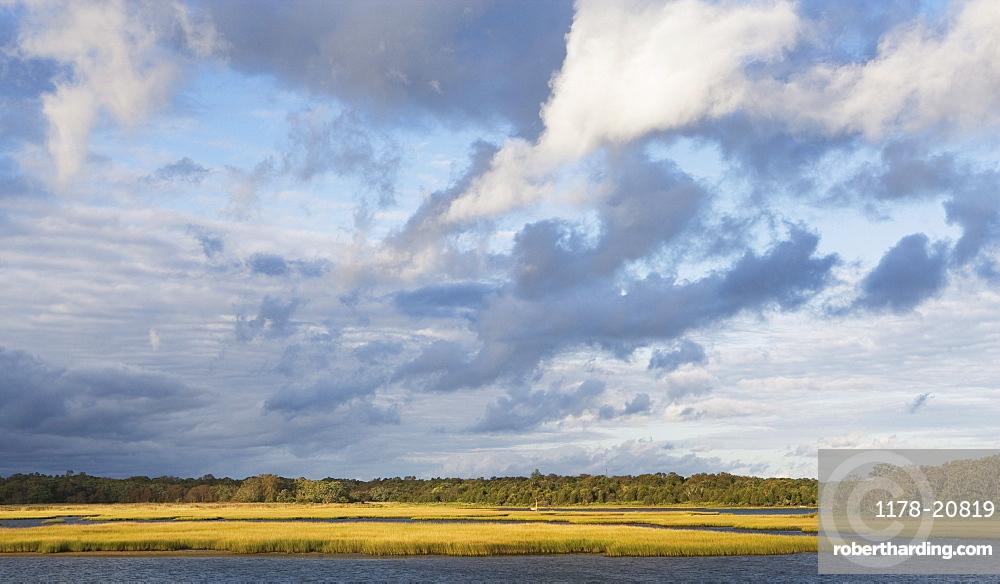 USA, New York, Long Island, East Hampton, Clouds over lake