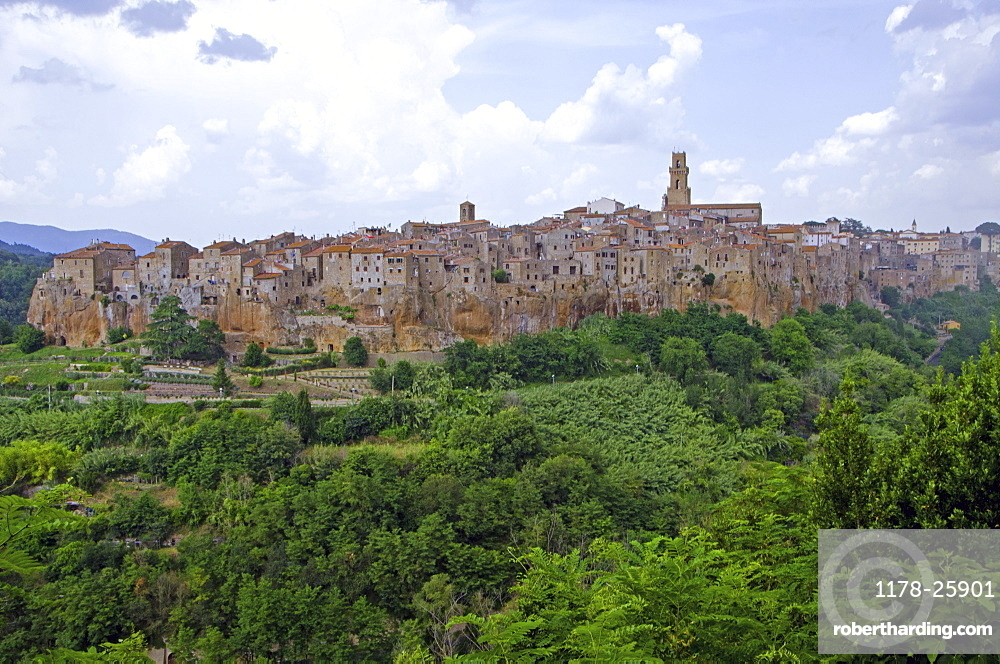 Italy, Tuscany, Pitigliano, Landscape with old town