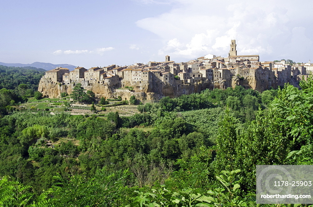 Italy, Tuscany, Sorano, Landscape with old town