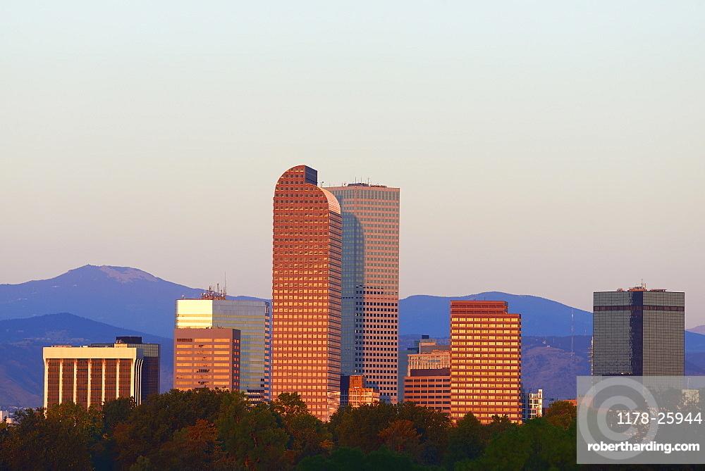 USA, Colorado, Denver, Skyline in background at dawn