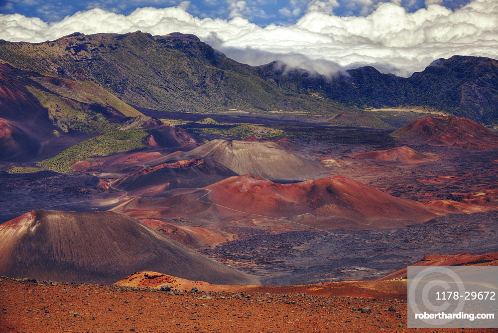USA, Hawaii, Haleakala, Landscape with volcano crater
