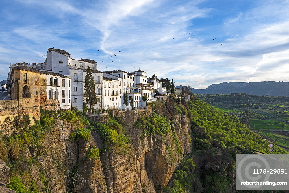 Spain, Ronda, Old town on top of cliff