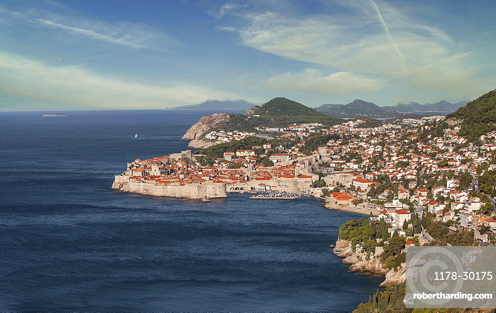 Croatia, Dubrovnik, Old town on waterfront