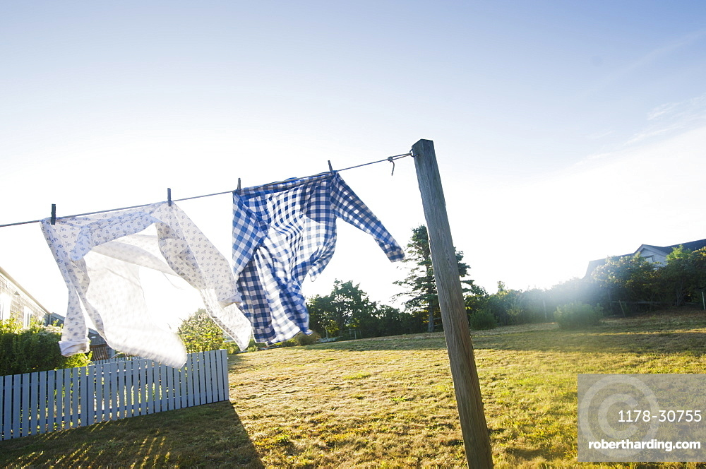USA, Massachusetts, Cape Cod, Laundry drying on clothesline
