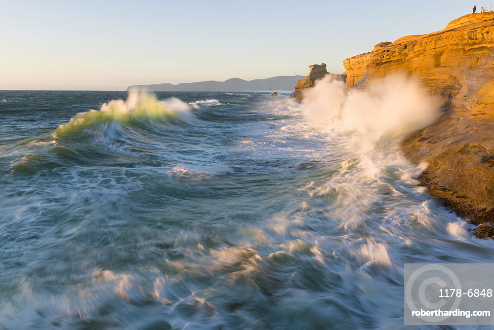 View at Stormy sea, USA, Oregon, Pacific City