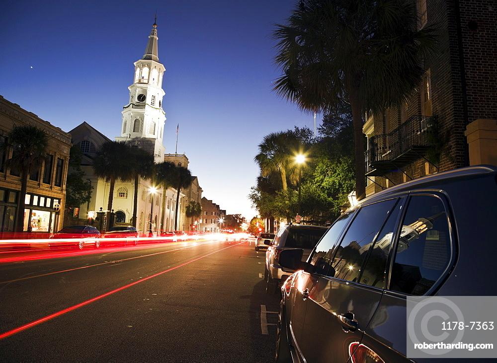 USA, South Carolina, Charleston, Light trails in street