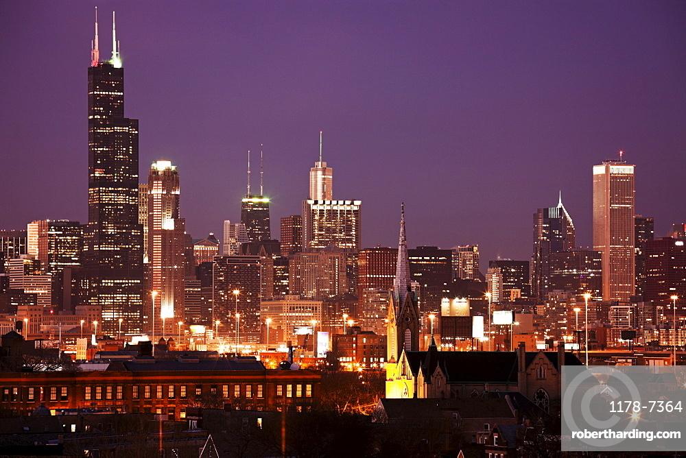 USA, Illinois, Chicago skyline at night