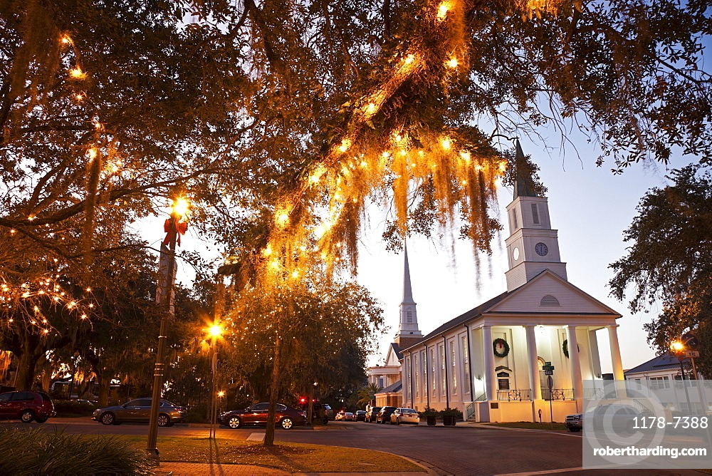 USA, Florida, Tallahassee, Church with lights on tree