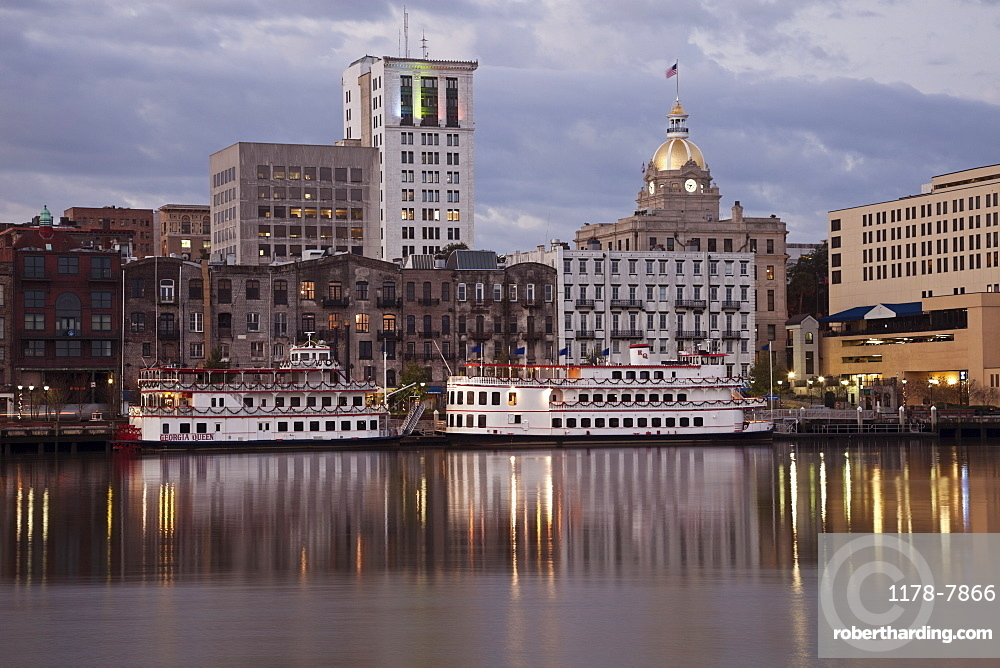 USA, Georgia, Savannah, Downtown skyline