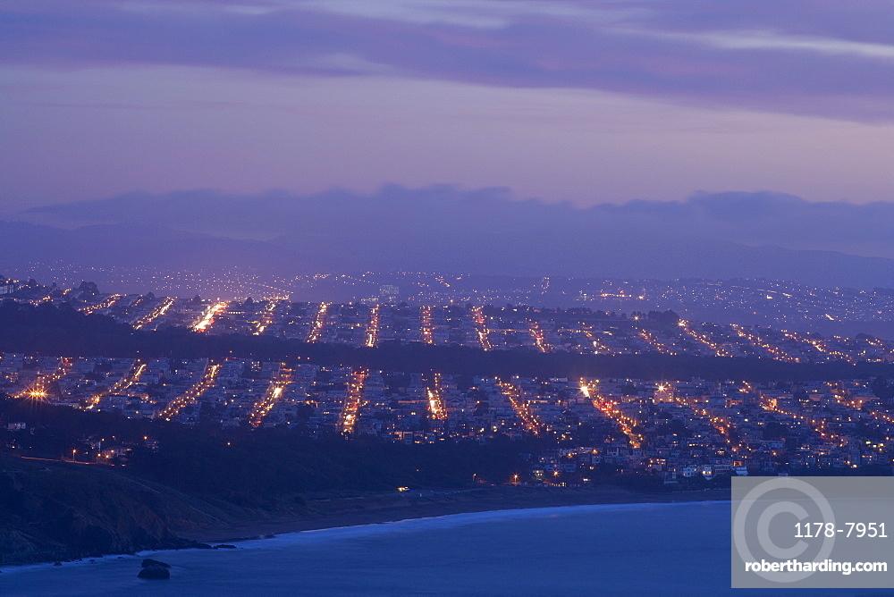 USA, San Francisco, Cityscape at dusk